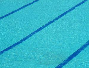 Nager dans les piscines de Paris