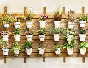 Comment d corer sa terrasse avec des pots de jardin design - Decorer sa terrasse exterieure ...