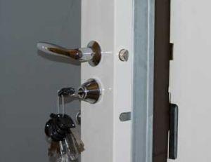 Poser une porte blindée