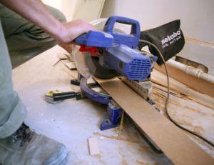Couper la plinthe