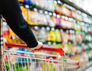 Selon l'Insee, notre budget alimentation - concurrencé entre autres par d'autres dépenses - ne cesse de s'étioler