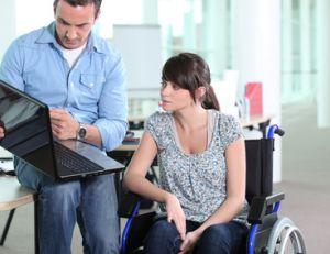 La personne en situation de handicap peut cumuler sa rémunération avec l'AAH.
