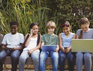 Que faire lorsqu'un ado passe trop de temps sur les écrans ?