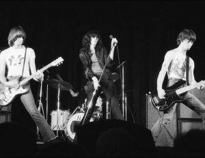Les Ramones lors d'un concert à New-York - Creative commons / Plismo