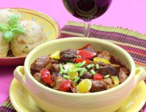 Le Goulash est un plat traditionnel hongrois
