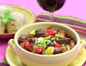 Le Goulash est un plat traditionnel hongrois