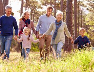 Renforcez le lien familial en voyageant en tribu/ iStock.com - MonkeyBusinessImages