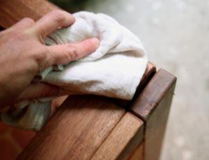 Rénover et entretenir ses meubles de jardin