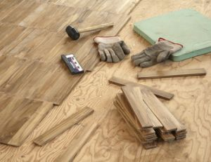 r novation de parquet r parer un parquet massif. Black Bedroom Furniture Sets. Home Design Ideas