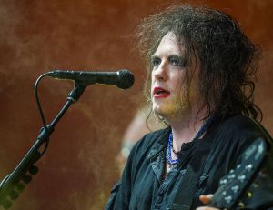 Robert Smith, leader du groupe Cure - creative commons / Bill Ebbesen