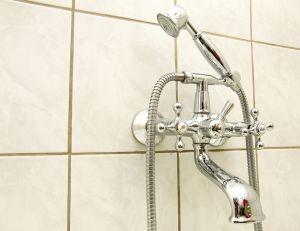 Astuces pour faire briller votre robinetterie