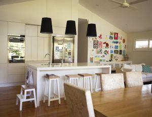 Une salle à manger bien intégrée dans le séjour