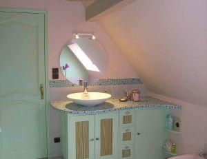 salle de bain : le lavabo en soupente