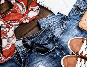 Comment customiser ses shorts en jean ?