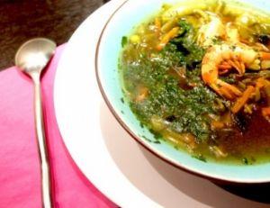 Soupe indienne aux crevettes et aux épices
