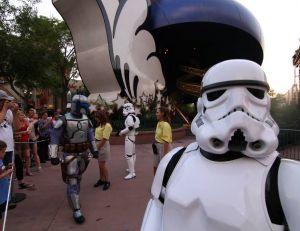 Disney s'apprête à ouvrir de nouvelles attractions dédiées à Star Wars, dans ses parcs - copyright Gordon Trapley / Flickr CC.