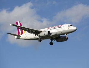 Suite au crash de l'Airbus A320 de la compagnie Germanwings, plusieurs compagnies vont changer leurs règles de sécurité - iStock