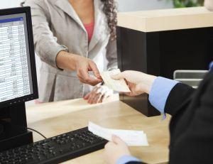 Les tarifs bancaires vont augmenter en 2016, pour la plupart des clients