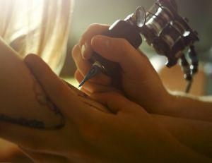 Une momie tatouée en dit plus sur les origines du tatouage