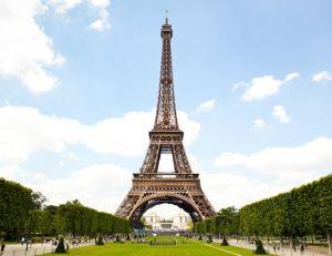 Accéder à la Tour Eiffel avec un handicap