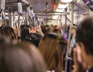 La longue durée des déplacements quotidiens nuisent au bien-être et à l'efficacité des employés