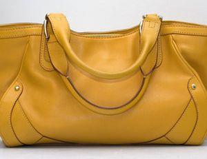 Ce qu'il ne faut pas oublier dans une valise de maternité