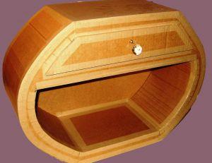 Comment vitrifier un meuble en carton ?