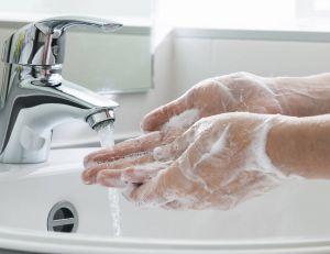 Le lavage des mains n'est pas automatique pour tout le monde
