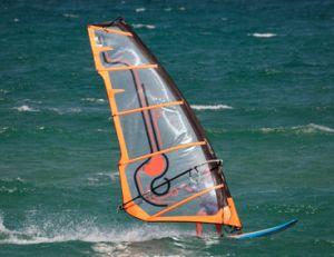 Bien choisir sa voile de windsurf