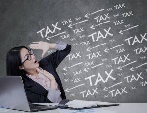 Certains collectifs féministes pointent la taxation trop élevées des femmes