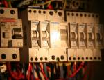 Installer et brancher un disjoncteur différentiel