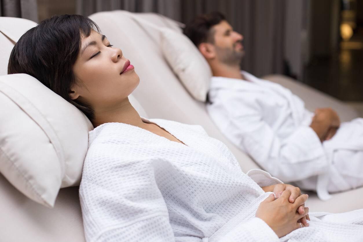 bar sieste tout est bon pour trouver le sommeil. Black Bedroom Furniture Sets. Home Design Ideas