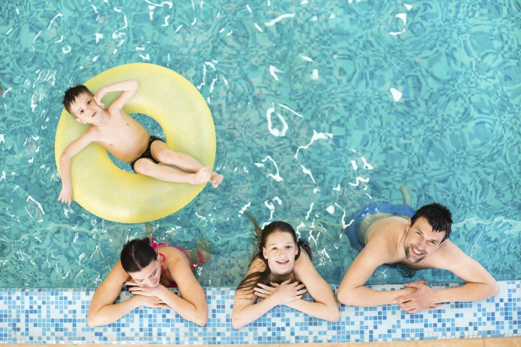 Comment am nager la bordure d 39 une piscine for Bordure per piscine