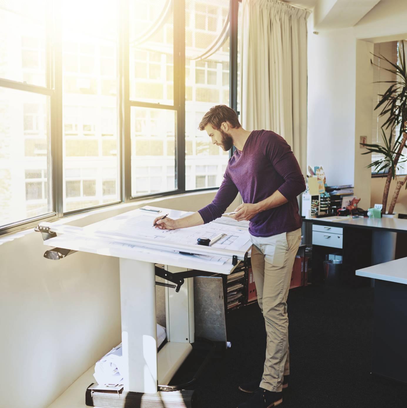 quels sont les mod les de bureaux pour travailler debout. Black Bedroom Furniture Sets. Home Design Ideas