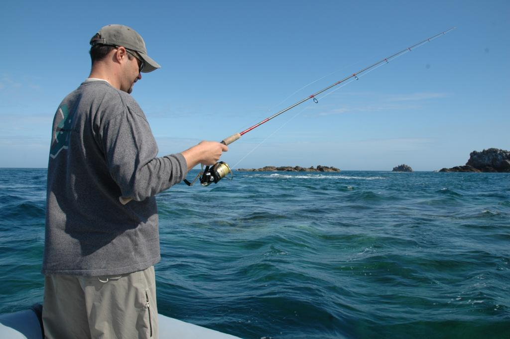 La pêche du bateau de la particularité de la chasse