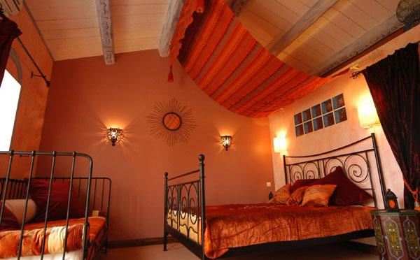 Chambre marocaine cr er une chambre marocaine - Deco chambre orientale ...