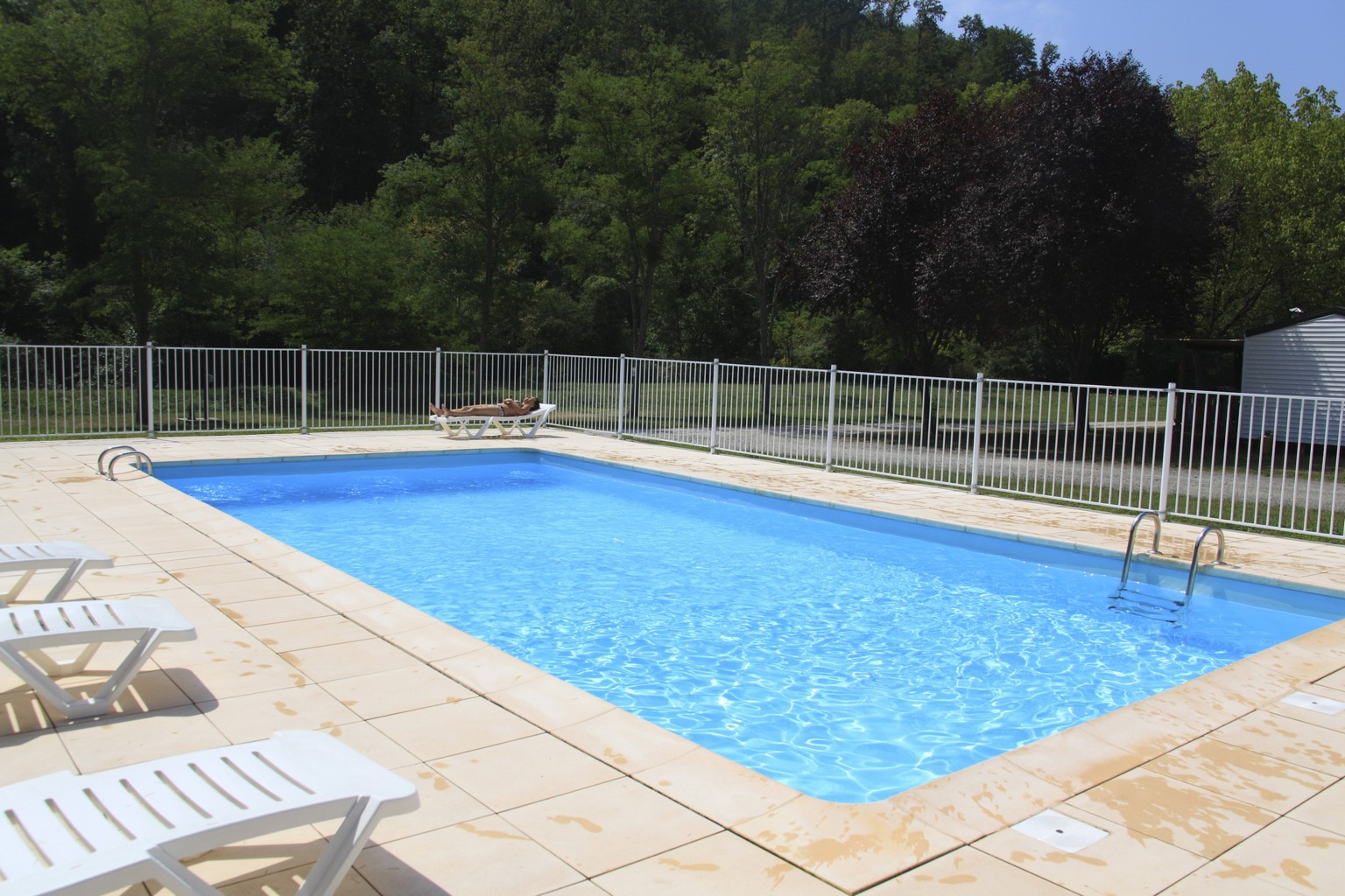 Cloture piscine pas cher for Piscine demontable pas cher