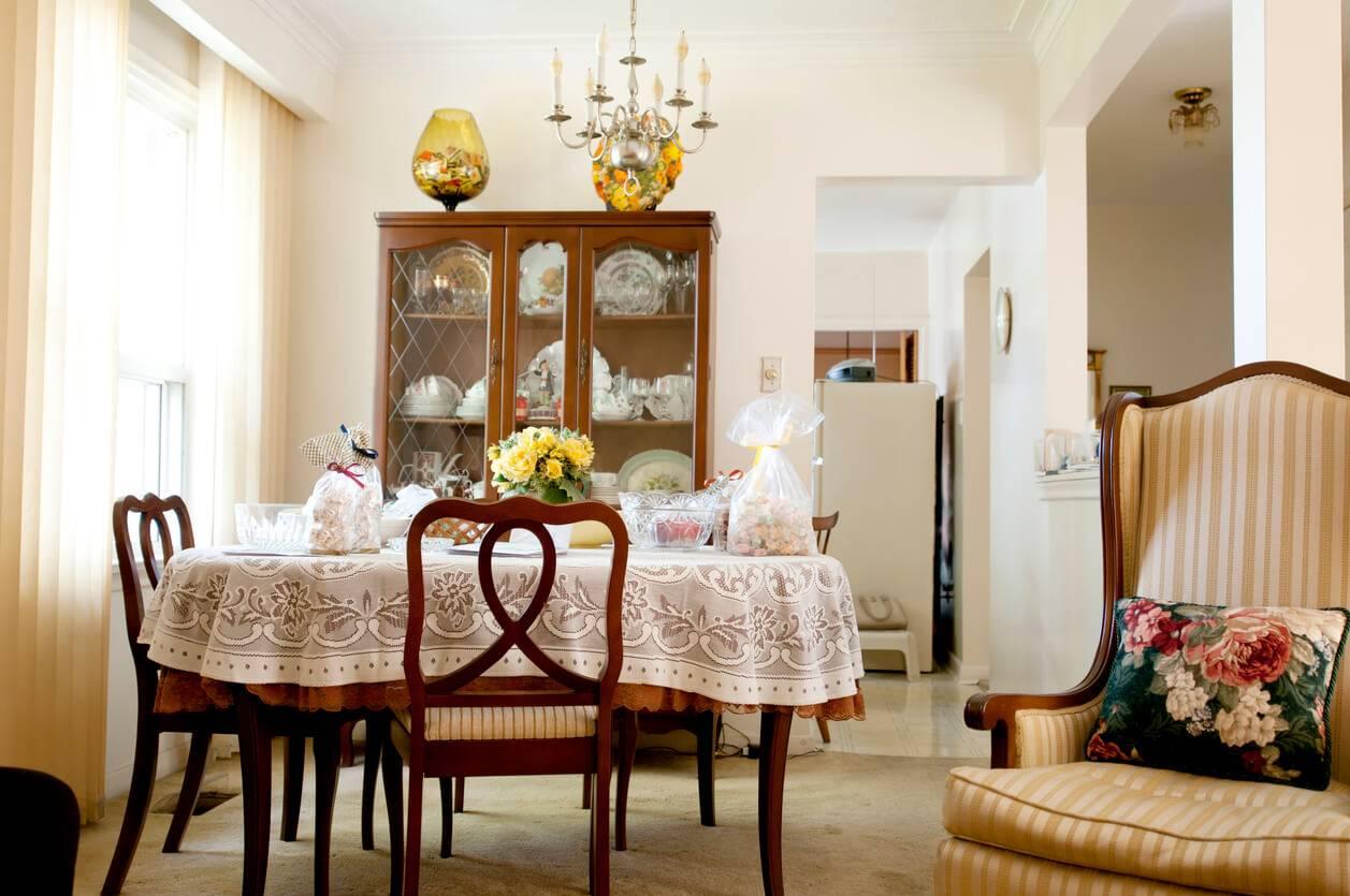 Choisir un vaisselier adapté au style de sa salle à manger | Pratique.fr
