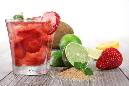 Recette du cocktail mojito fraise for Recette mojito grande quantite
