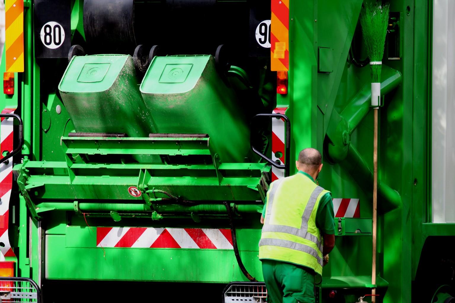 """Résultat de recherche d'images pour """"collecte des déchets"""""""