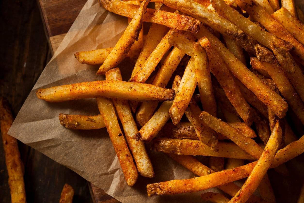 Comment faire des frites maison sans friteuse - Frites pour friteuse au four ...