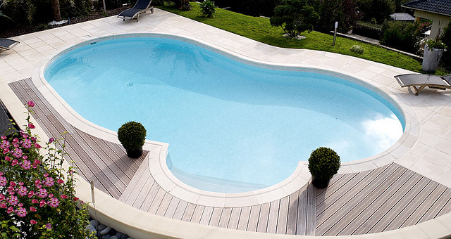 Comparatif de piscines aide au choix budget types for Kit piscine enterree