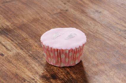 R aliser un gla age royal pour les cupcakes - Glacage cupcake facile ...
