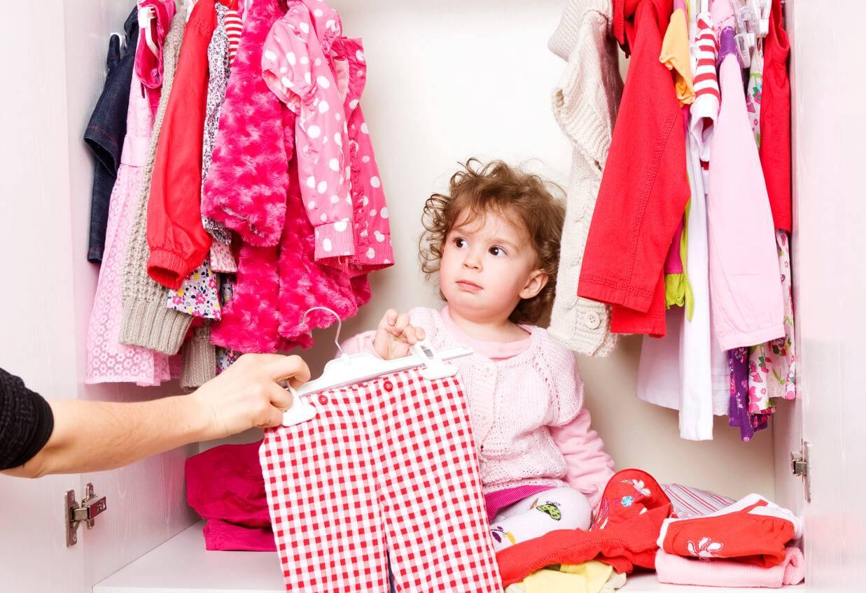 ducation quel ge laisser son enfant choisir ses v tements. Black Bedroom Furniture Sets. Home Design Ideas