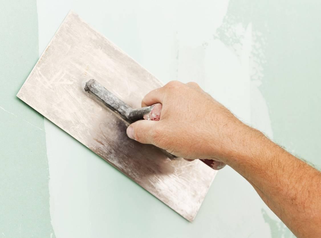 comment appliquer un enduit lissage sur mur