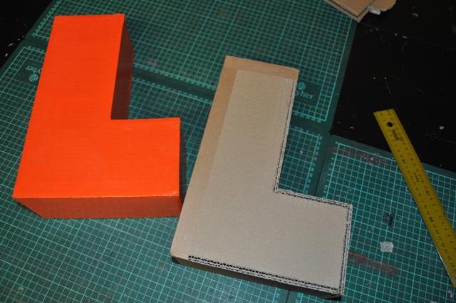 comment fabriquer une lettre 3d en carton. Black Bedroom Furniture Sets. Home Design Ideas