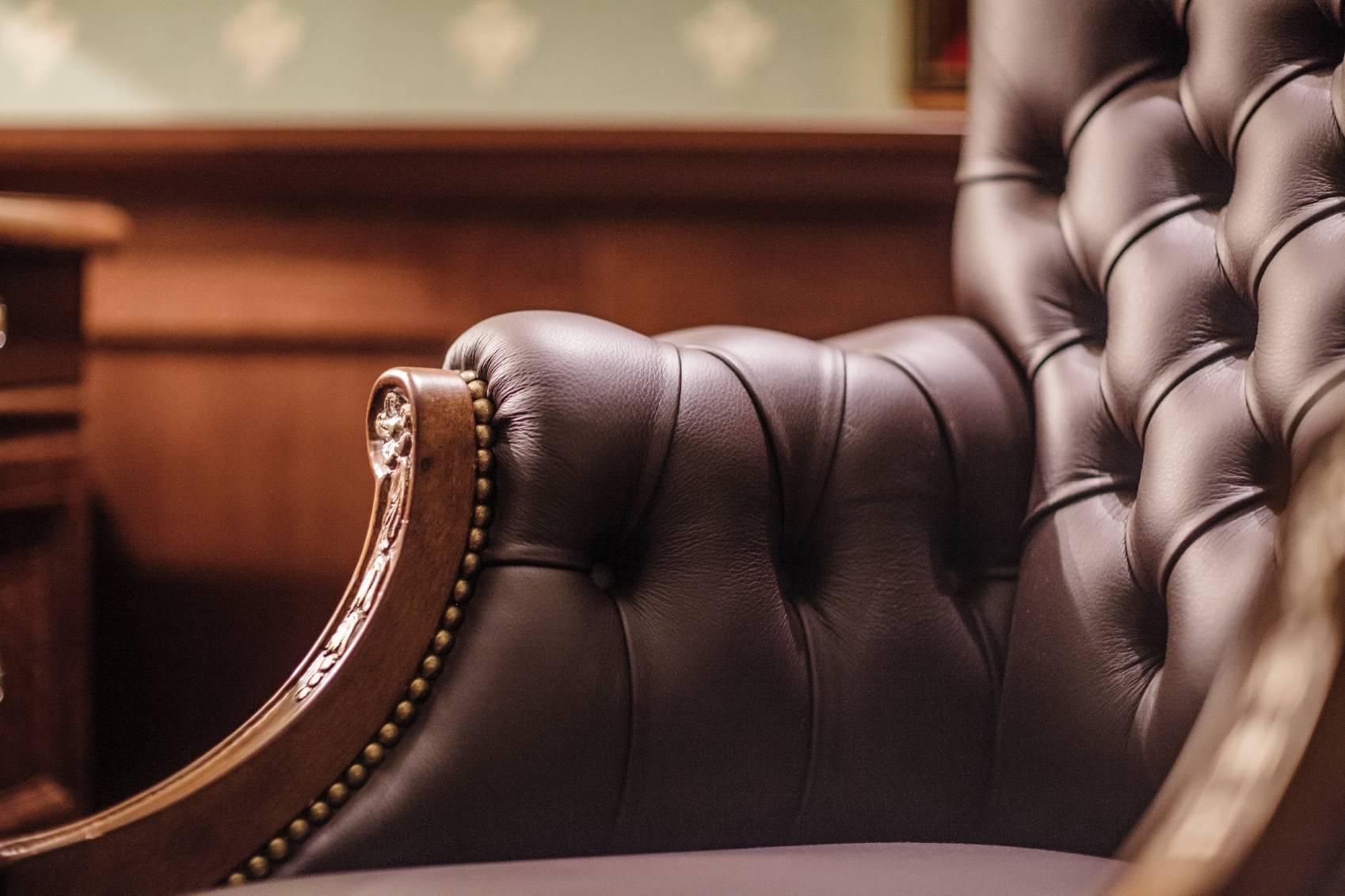 les bonnes pratiques pour entretenir un mobilier d. Black Bedroom Furniture Sets. Home Design Ideas