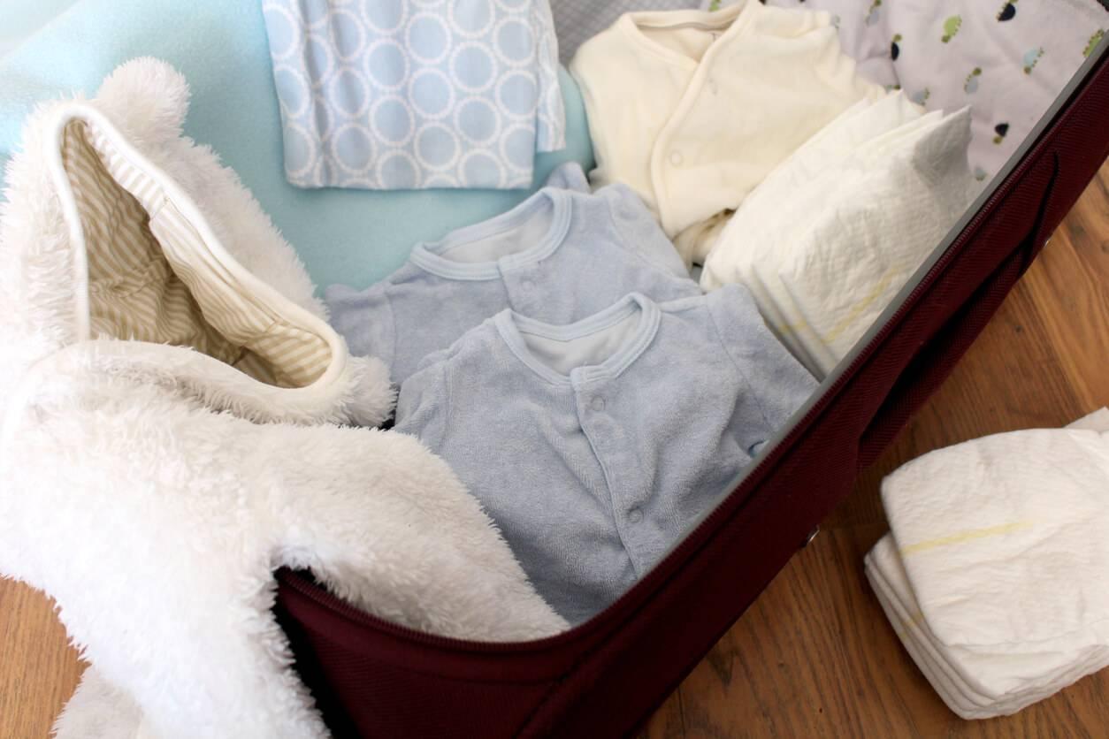 grossesse bien pr parer sa valise de maternit. Black Bedroom Furniture Sets. Home Design Ideas