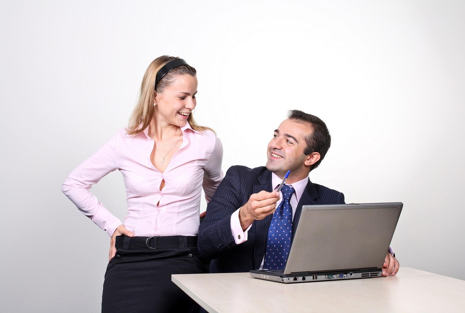 Harc lement sexuel dans quels cas porter plainte - Porter plainte pour diffamation au travail ...