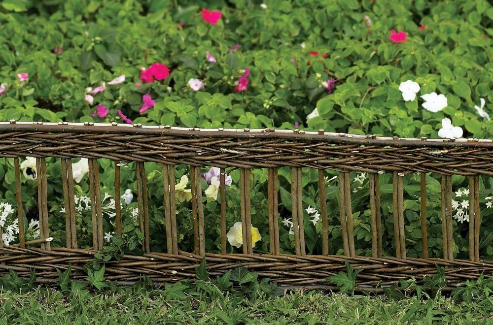 Bordure jardin installer des bordures de jardin - Bordure en bois jardin ...